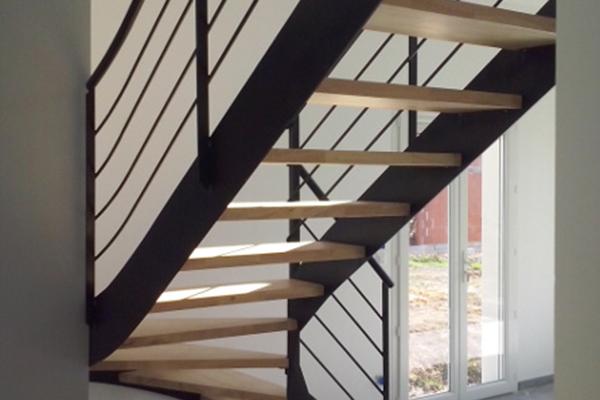 escalier 1 4 tournant pignan ferstyle vous pr sente ses cr ations. Black Bedroom Furniture Sets. Home Design Ideas
